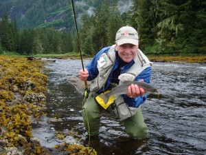 02-Sunds-Lodge-David-with-ocean-run-cutthroat-on-Atha-River-send-300x225